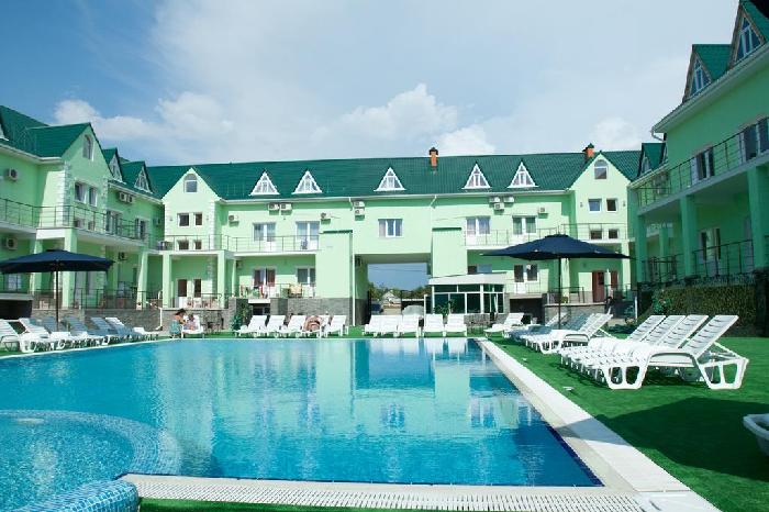 Отдых в Николаевке с бассейном